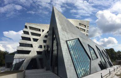 COPILOT zertifiziert Libeskindbau der Leuphana  als weltweit erstes Gebäude